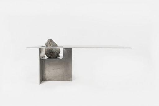 mélange de pierre et d'acier